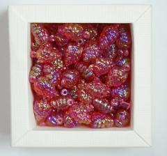 Бусины красные,  виноград 1 пакетик ( 50 г. )